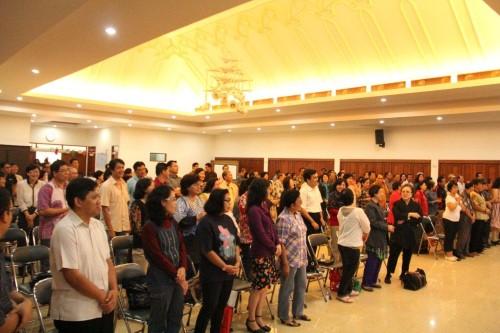 """Suasana pembuka Seminar Ke Surga dengan Badan"""", 25 Januari 2014 di Aula Katedral, Jakarta"""