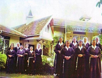 Suster novis dan yunior berkunjung ke Biara St.Clara Yogyakarta 2008