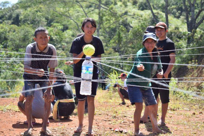 Membangun kerja sama melalui permainan kelompok